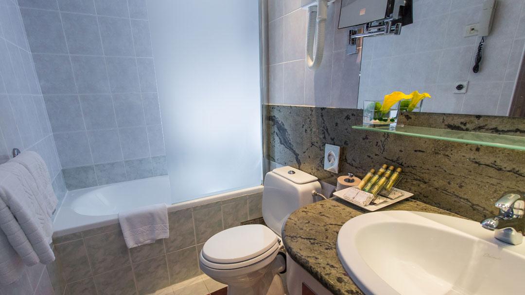 Bernardin_bathroom